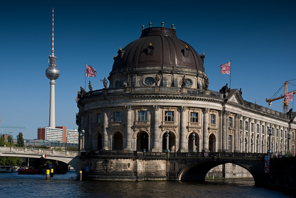 Ein Fluss durch Berlin, der an allen Sehenswürdigkeiten vorbei führt