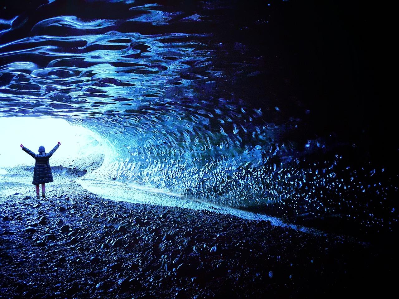 Abenteuer Winterreise Island: Touren zu den faszinierenden Eishöhlen